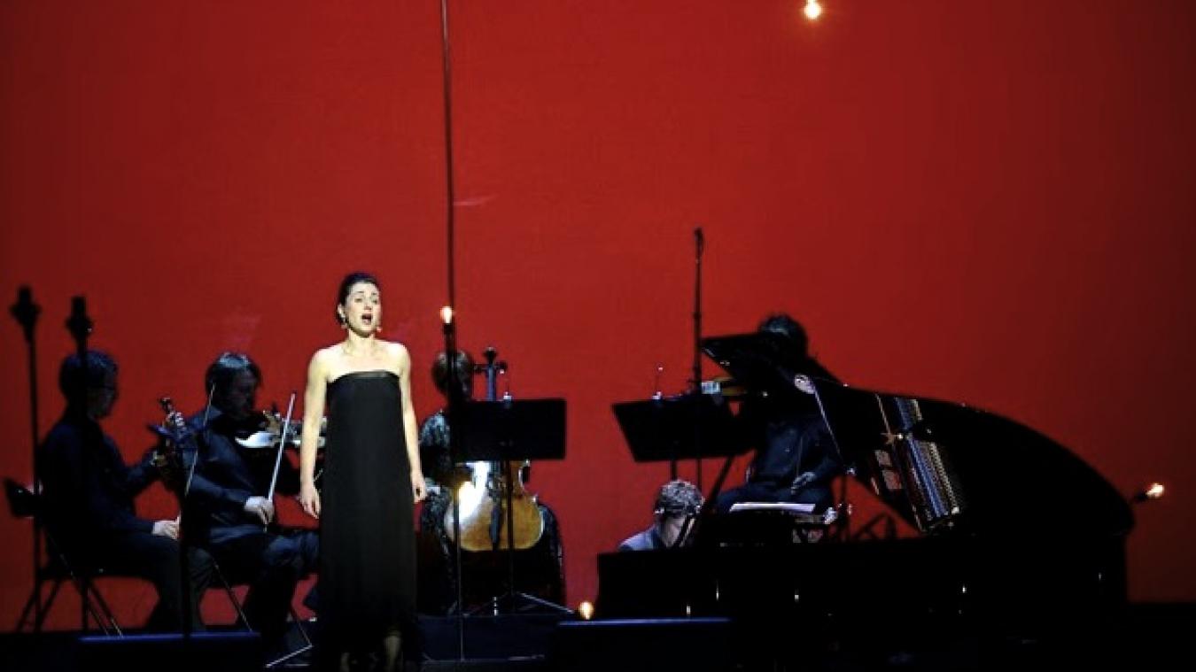 public://projets/2012-06-12_Paris_10_ans_VEDICI_Spectacle_La_voix+%2873%29.jpg