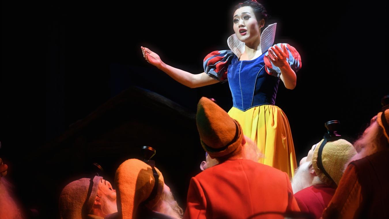 public://projets/20180310小剧场-儿童歌剧《白雪公主》B组首演-程文慧饰白雪公主 (3)-摄影凌风.JPG