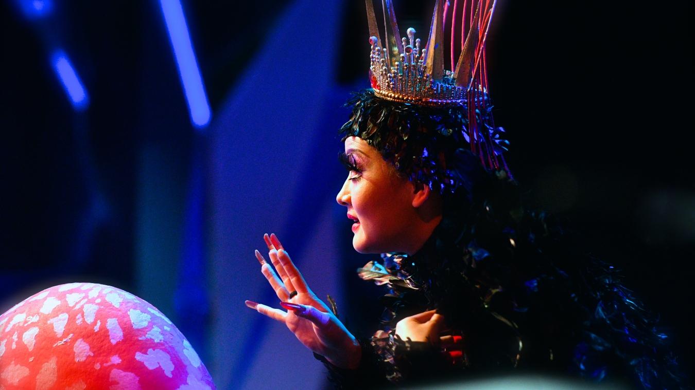 public://projets/20180310小剧场-儿童歌剧《白雪公主》B组首演-胡越饰皇后 (12)-摄影凌风.JPG