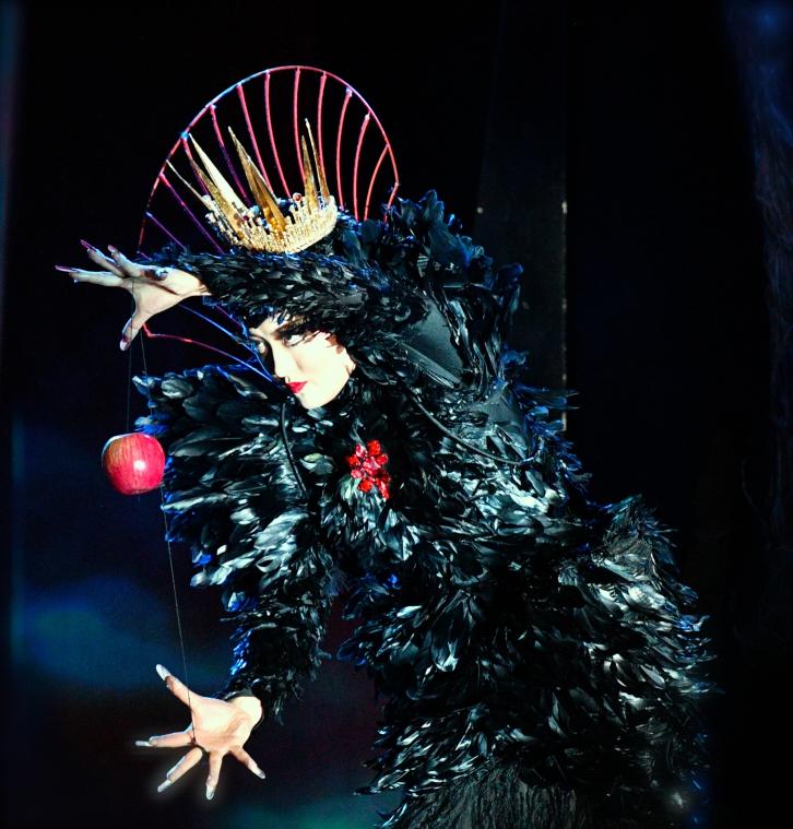 public://projets/20180310小剧场-儿童歌剧《白雪公主》B组首演-胡越饰皇后 (9)-摄影凌风.JPG
